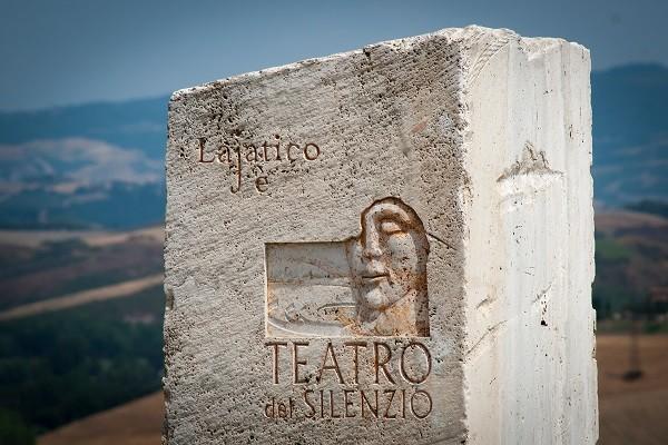 Teatro-del-Silenzio-Lajatico-Toscane-Bocelli