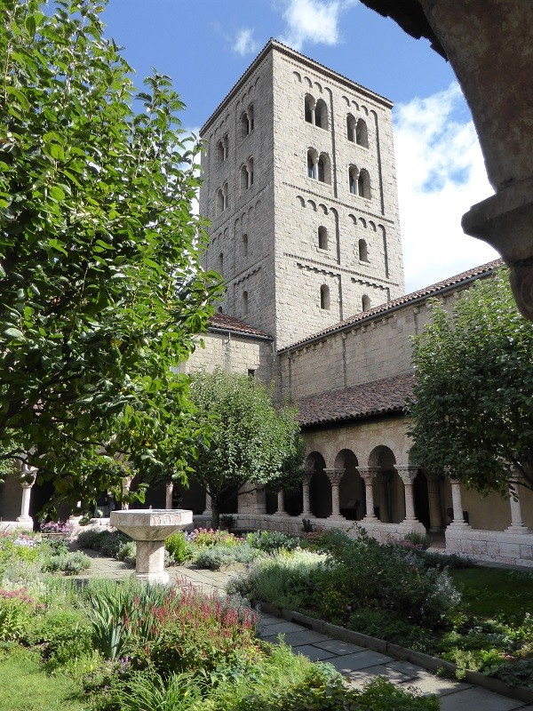The-Cloisters-New-York (8)