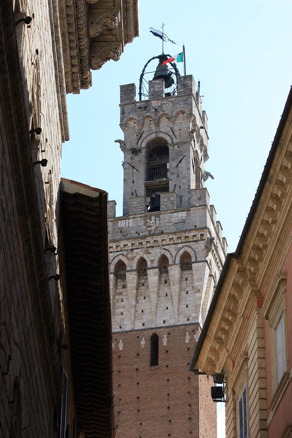 Torre-Mangia-Siena-2