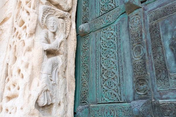 Trani-kathedraal-detail (1)