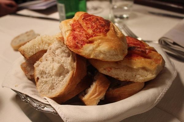 1 bread basket