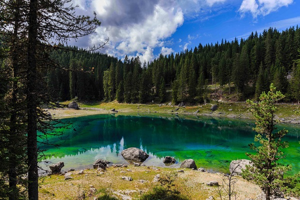 Trentino-sprookjesachtig-meer-Catinaccio