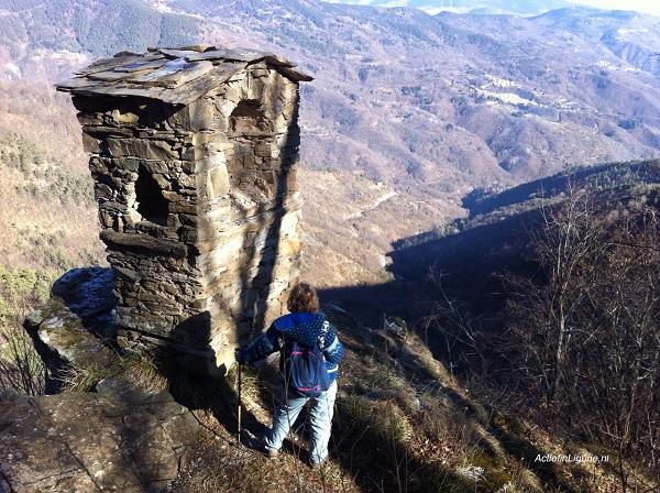 Uitzicht Valle Arroscia na watervallen