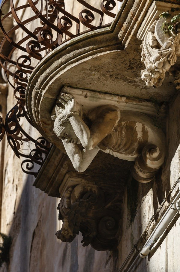 Val-di-Noto-Sicilië-barok-balkonnetjes (10)