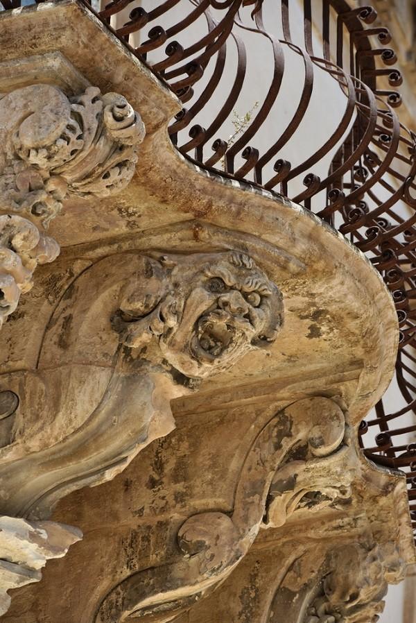Val-di-Noto-Sicilië-barok-balkonnetjes (14)
