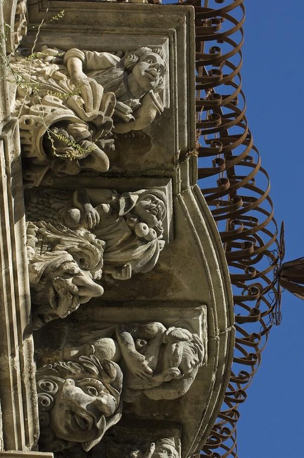 Val-di-Noto-Sicilië-barok-balkonnetjes (20)