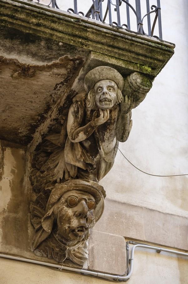 Val-di-Noto-Sicilië-barok-balkonnetjes (4)