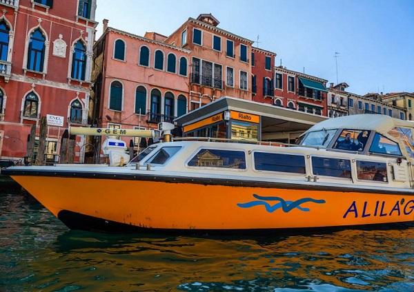 Venetië-Alilaguna-boot-vliegveld-stad
