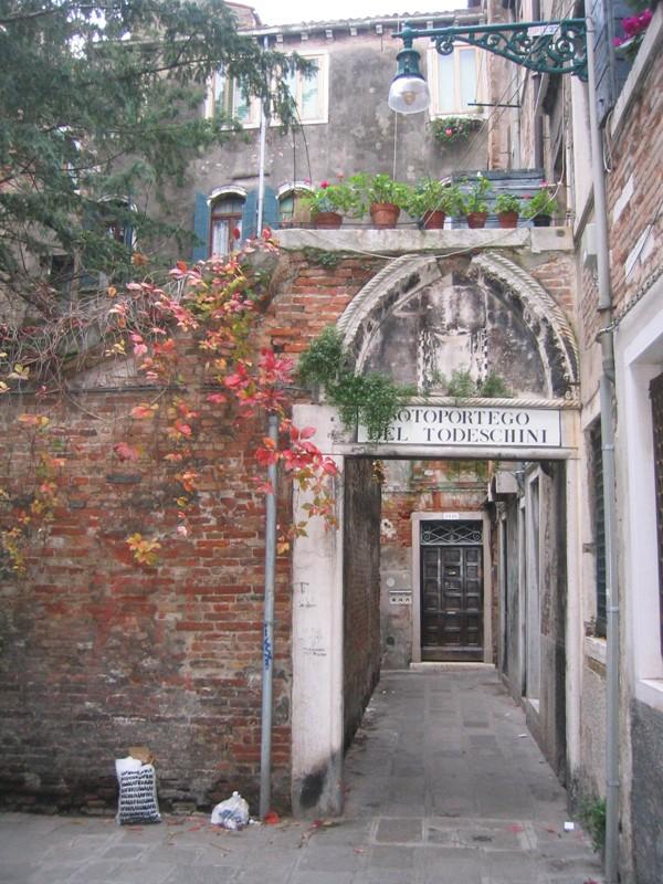 Venetië-rust-Santa-Croce