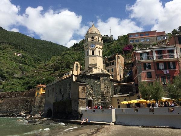Vernazza-Cinque-Terre-kerk (5)