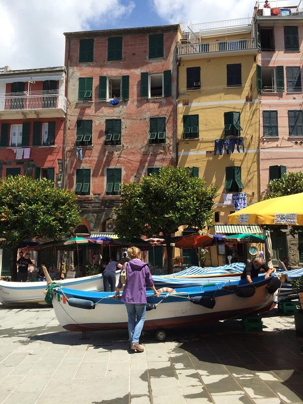 Vernazza-Cinque-Terre-piazzetta (2)