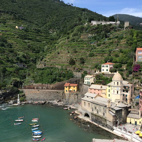 Vernazza-Cinque-Terre-uitzicht (2)