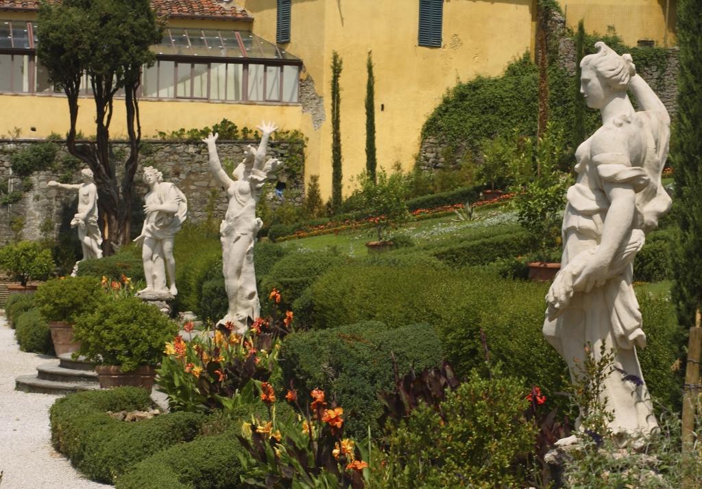 Villa-Garzoni-Lucca (1)
