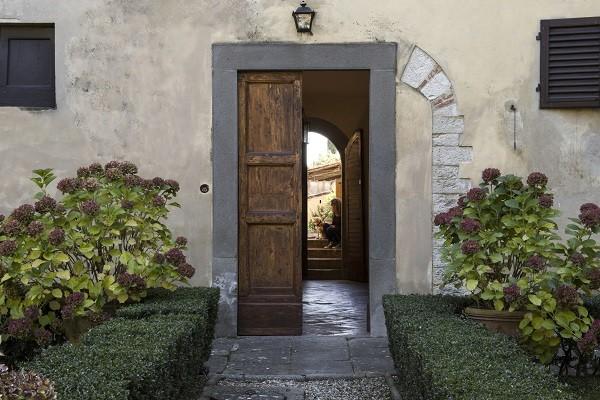 Villa-Medicea-di-Lilliano-Florence-Toscane-1a