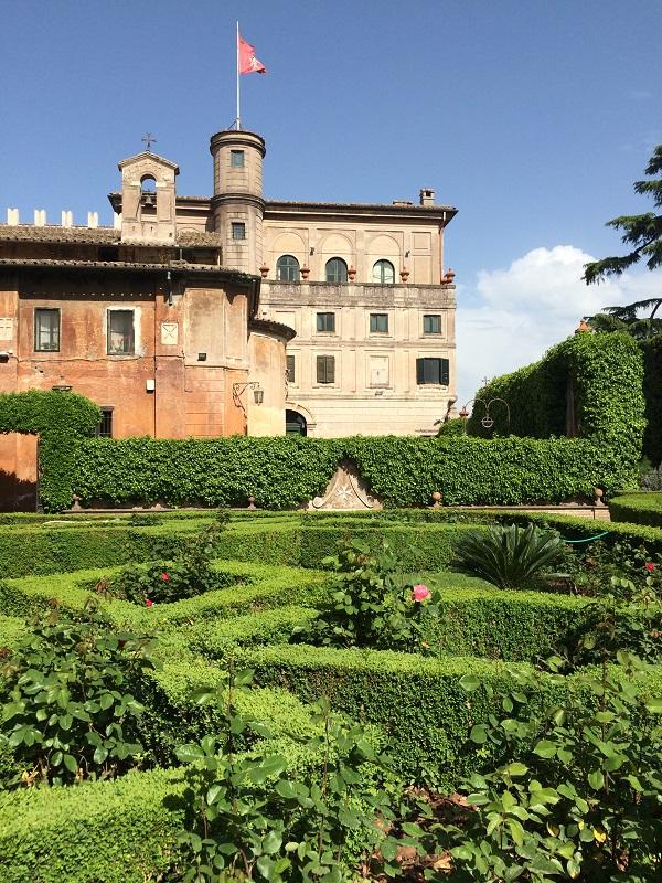 Villa-del-Priorato-achter-het-sleutelgat-Aventijn-Rome (10)