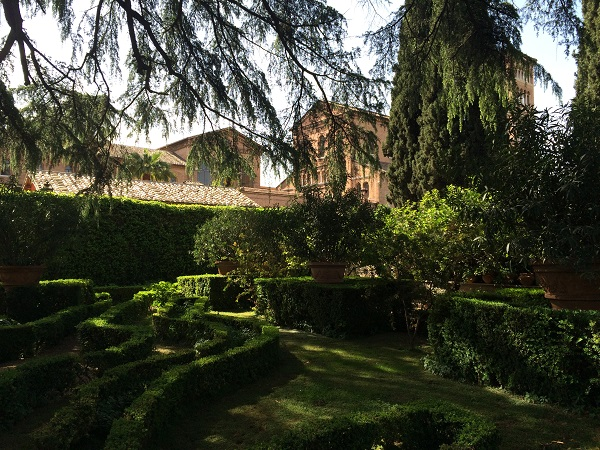 Villa-del-Priorato-achter-het-sleutelgat-Aventijn-Rome (8)