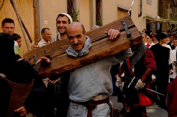 Volterra-1398-middeleeuwen-feest-3