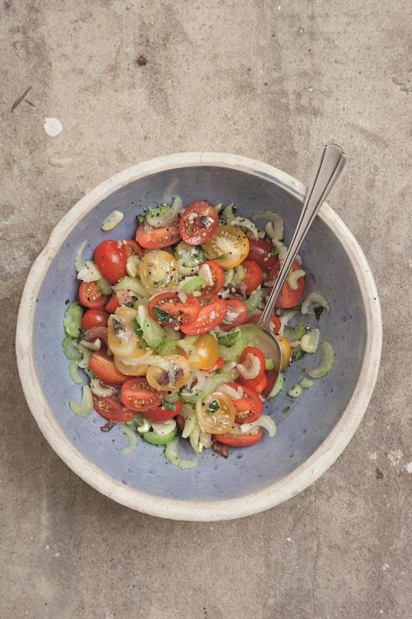 Zilveren-Lepel-groente-salade-kerstomaatjes