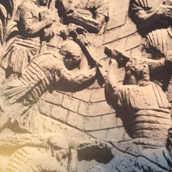 Zuil-Trajanus-Rome-forum-detail (1)