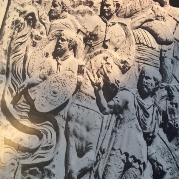 Zuil-Trajanus-Rome-forum-detail (2)