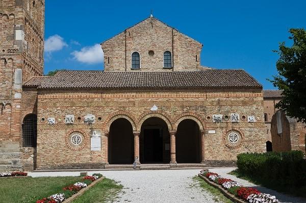 abdij-Pomposa-Ferrara-Emilia-Romagna (2)