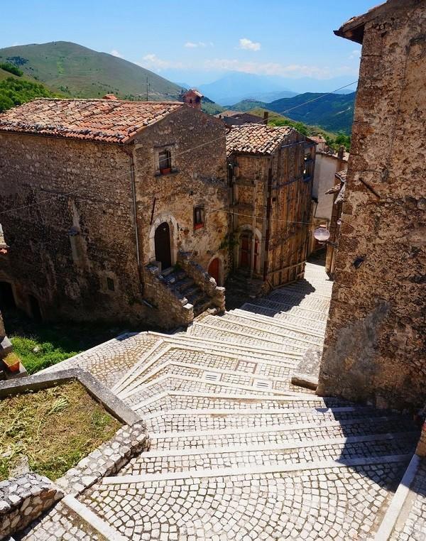 albergo-diffuso-Sextantio-Abruzzo (2)