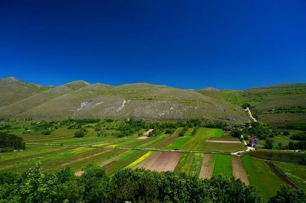 albergo-diffuso-Sextantio-omgeving-Abruzzo (5)