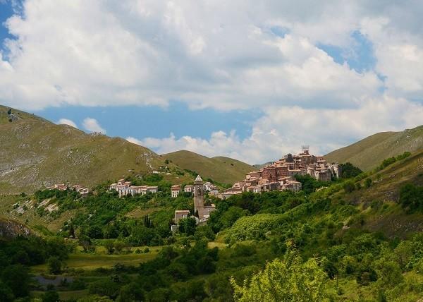 albergo-diffuso-Sextantio-omgeving-Abruzzo (6)