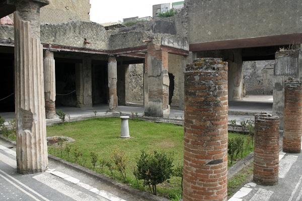 atrium-Herculaneum (2)
