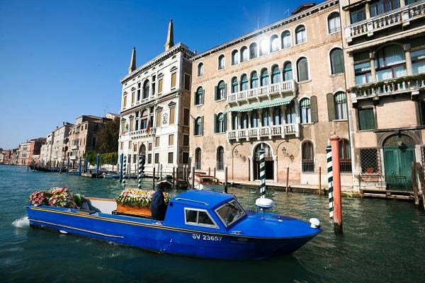 begrafenis-boot-Venetië