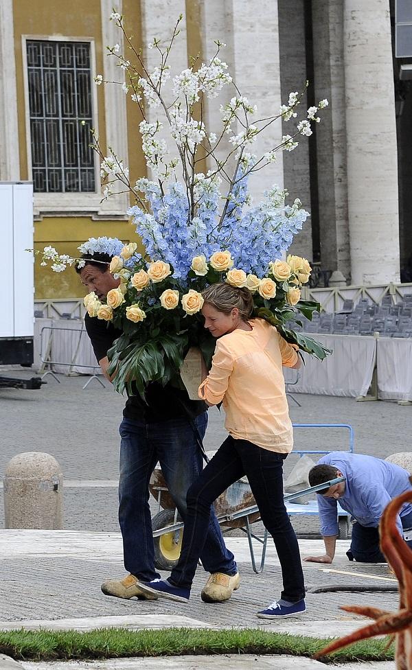 bloemen-Pasen-Sint-Pietersplein-Rome (12)