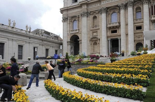 bloemen-Pasen-Sint-Pietersplein-Rome (13a)