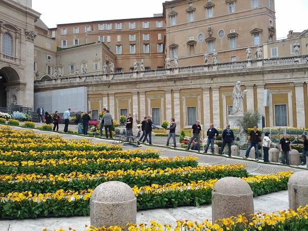 bloemen-Pasen-Sint-Pietersplein-Rome (13b)