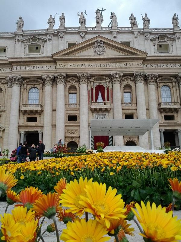 bloemen-Pasen-Sint-Pietersplein-Rome (15a)