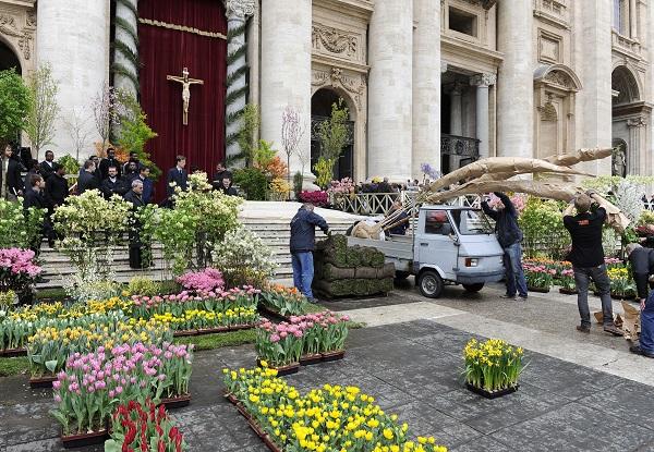 bloemen-Pasen-Sint-Pietersplein-Rome (9)