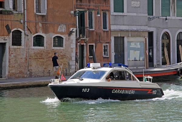 carabinieri-boot-Venetië