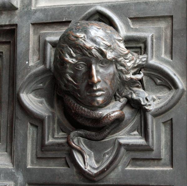 detail-slangen-deur-Dom-Florence