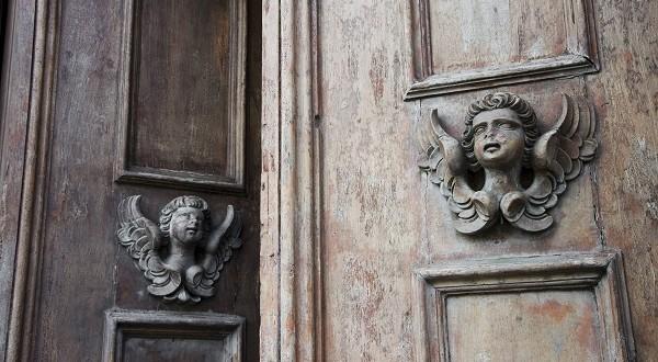 Klopperdeklop – de 25 mooiste deurkloppers in Italië