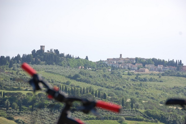 fietsen-Toscane-kastelen-audio-guide-Toscana-by-Bike (7)