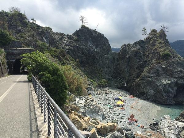 fietspad-Levanto-Bonassola-spoorwegtunnels (12)