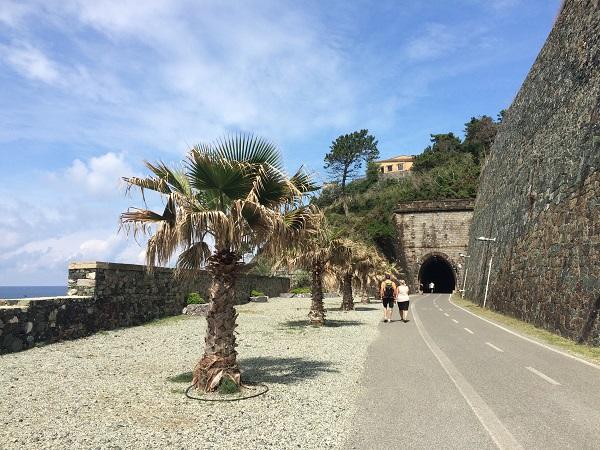 fietspad-Levanto-Bonassola-spoorwegtunnels (17)