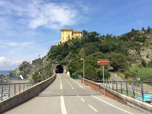 fietspad-Levanto-Bonassola-spoorwegtunnels (2)