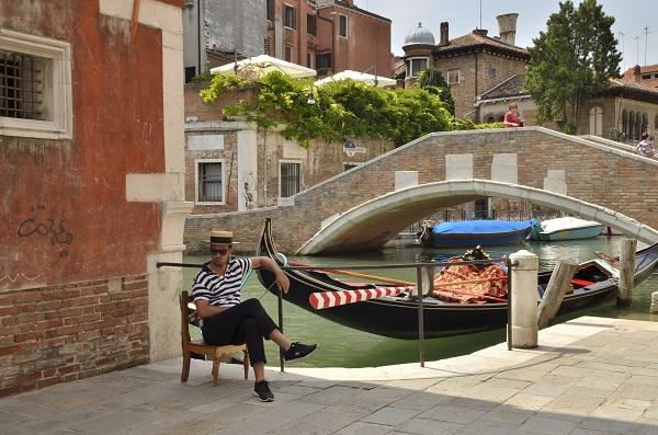 gondelier-Venetië-3