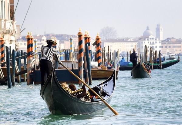 gondelier-Venetië-8