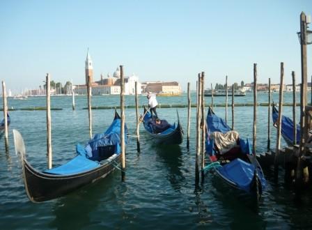 gondels in Venetie 2