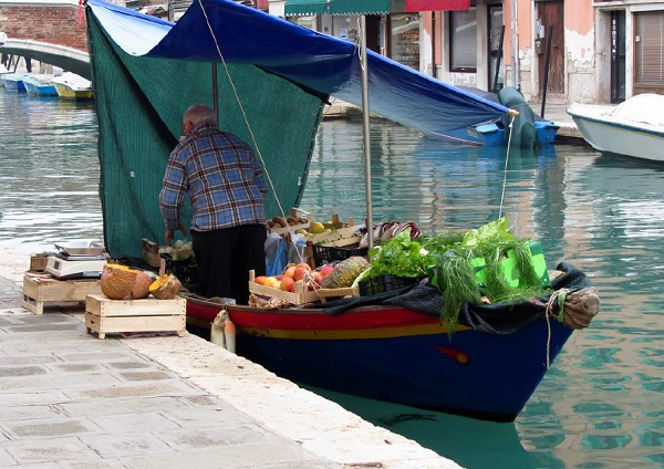 groente-boot-Venetië