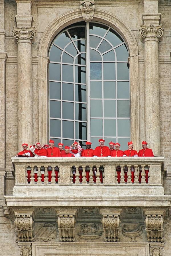 kardinalen-Vaticaanstad-conclaaf-2005