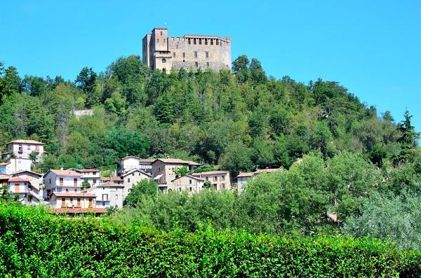 kasteel-Zavattarello-Pavia (1)