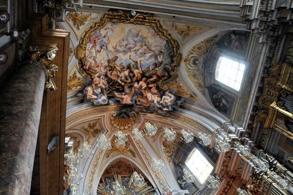 kerk-Santi-Apostoli-Rome (12)