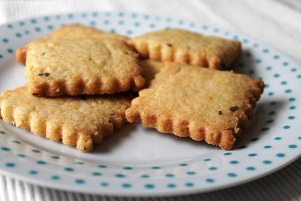 lente-menu-Italiaans-Koken-met-Antoinette-koekjes-met-tijm-salie (1)